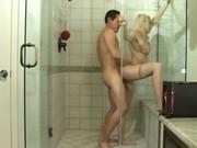แอบถ่าย คู่ฝรั่งอาบน้ำ แม้งเมียแม้งนมใหญ่ไม่น่า ลีลาเด็ดขนาดนี้ ทำนมมาเพื่อให้ผัวจับโดยเฉพาะ