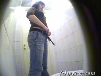TOILET HIDE CMA สาวจีนนั่งฉี่ในห้องน้ำก้นใหญ่ไครชอบแนวนี้ร่องหีขาวๆตอนนี้หีมะตกกลีบหีฟิตหนาวแตดมากๆเลย