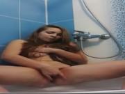 คลิบน้องเพลงลูกสาวผู้ใหญ่บ้าน ถ่ายคลิปเกี่ยวเบ็ดช่วยตัวเองในห้องน้ำให้ผัวที่ไปต่างประเทศดู เงี่ยนมากๆอะ