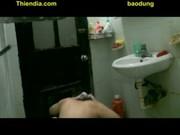 ตั้งกล้องอพาทเม้นข้างห้องอาบน้ำเสียงดังมาส่องดูมีรูเลยแอบตั้งกล้องส่องสาวน้อยอาบน้ำ