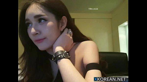 สาวเกาหลีเมาหนักมาก เล่นเว็บแคมหลังกลับมาคอนโด ใส่ชุดบิกินี่ โชว์เสียว ง้ามตูดขาวจั้ว