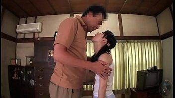[HD] หนังxญี่ปุ่นโคตรเด็ด พ่อเลี้ยงขาเย็ดจับลูกสาวยกลิงอุ้มแตงควยแทงหี ครางเสียวแค่ไหนลองฟัง