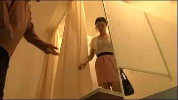 หนังโป๊ไทยxxx สาวไทยเข้าสปานวดหีโดนล้วงจนเสียวน้ำหีไหลเลย นวดๆคลึงๆจนทนไม่ไหวเลย ขอโม้คควยให้หมอนวดทีจนหายเสียว