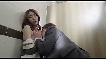 ดูหนังเรทRเกาหลี2019 สาวร่านประจำออฟฟิศ แอบไปกินกันลับๆหัวหน้า หีฟิตมากโดนนิ้วล้วงไปน้ำหียังไหลเยิ้มอยู่เลย